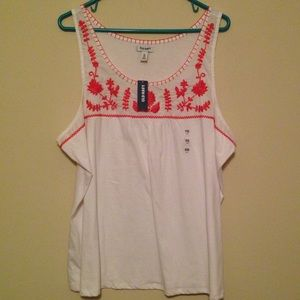 Old navy embroidered tank top NWT